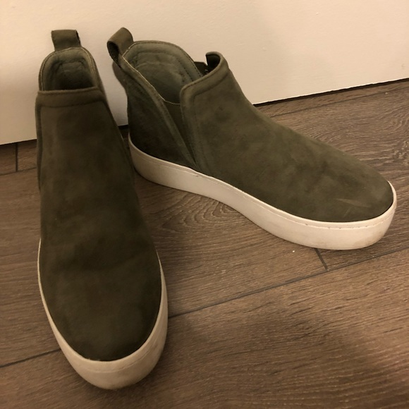 e39111e5ab0 Steve Madden Ferry Suede Sneakers